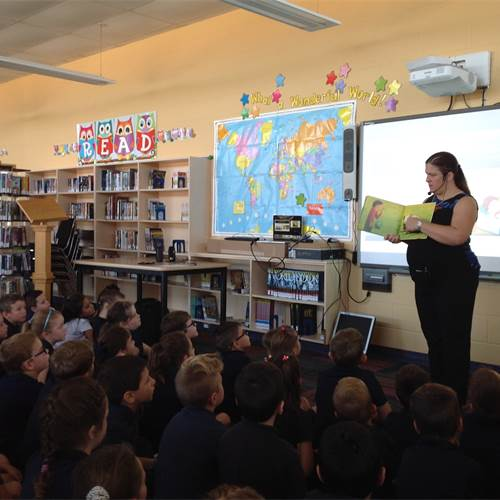 Award-winning author visits St. Matthew for lesson on justice